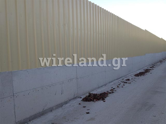 Fences with steel sheets